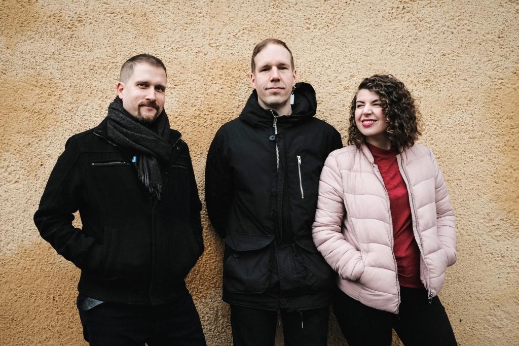 esiintyjä bändi trio